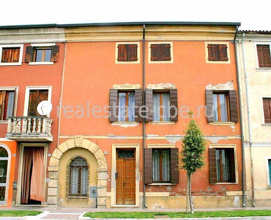 Купить дом маленькая италия